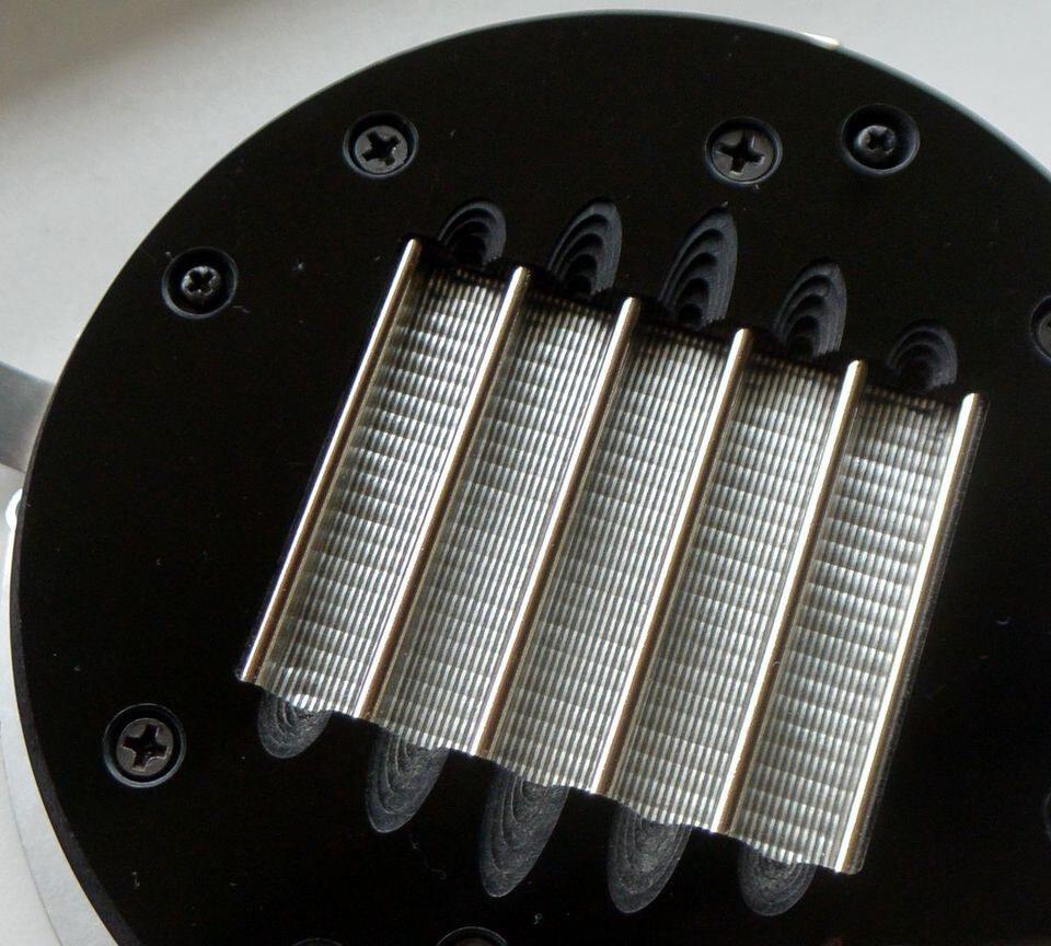 Анизотропия мембран планарных наушников